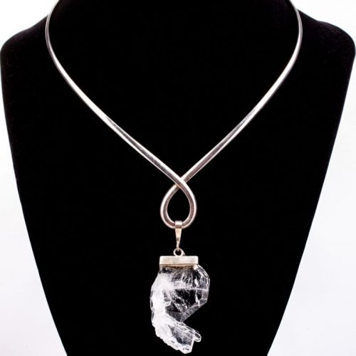 Guides and Angels Faden Quartz Pendant